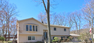 Private 3 Bedroom Home Close to Candlewood Lake and Town in New Fairfield, CT