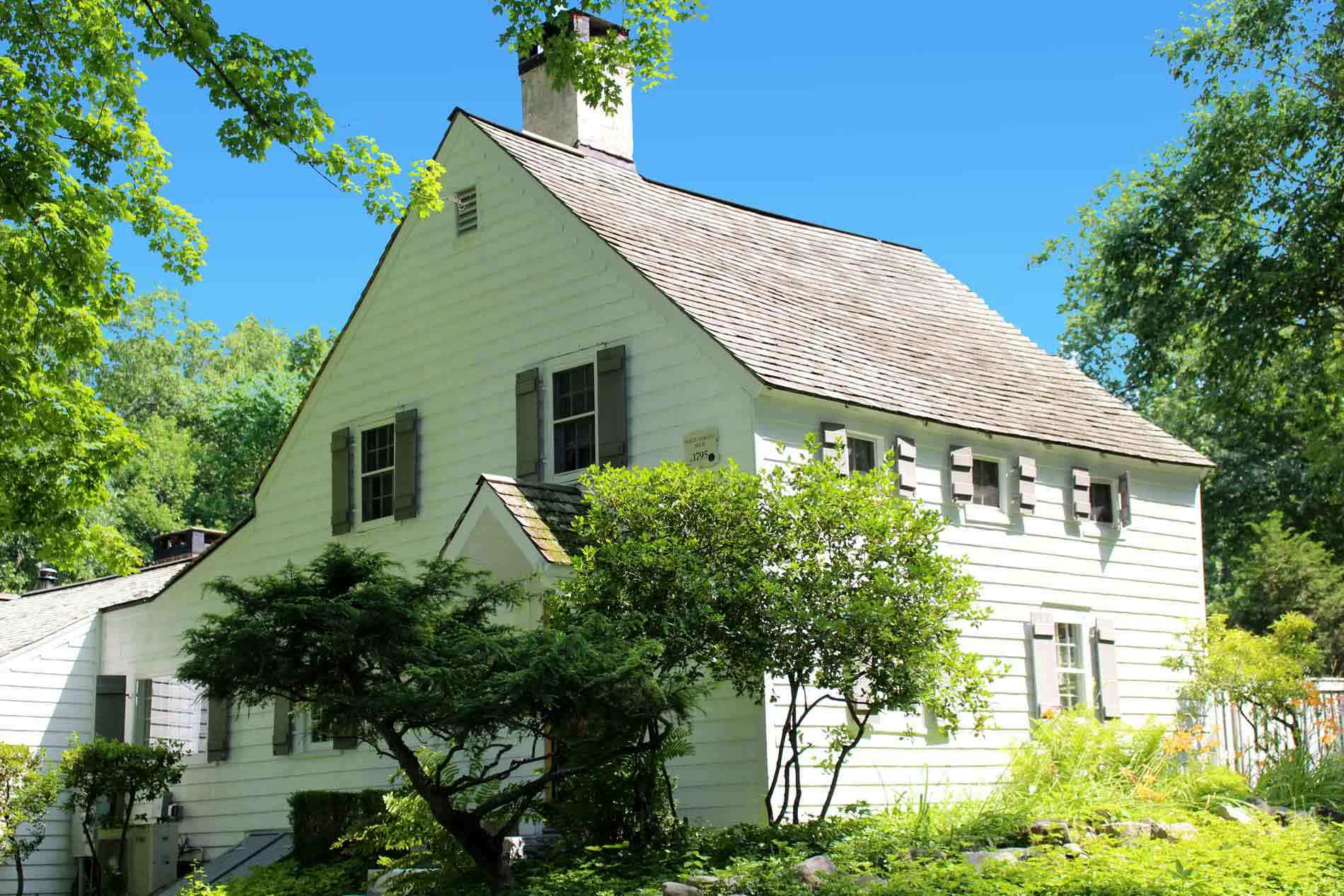 antique homes for sale in redding ct find and buy old historic