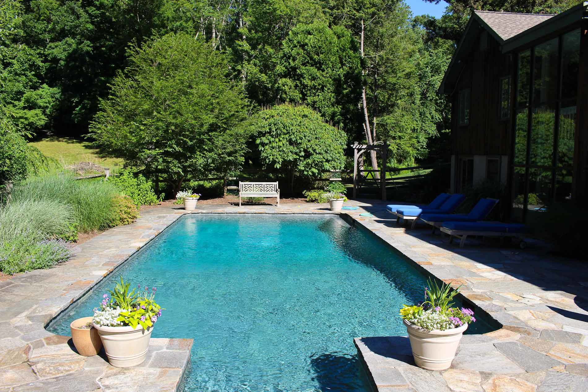 Homes with swimming pool for sale in brookfield ct find - Houses for sale with a swimming pool ...