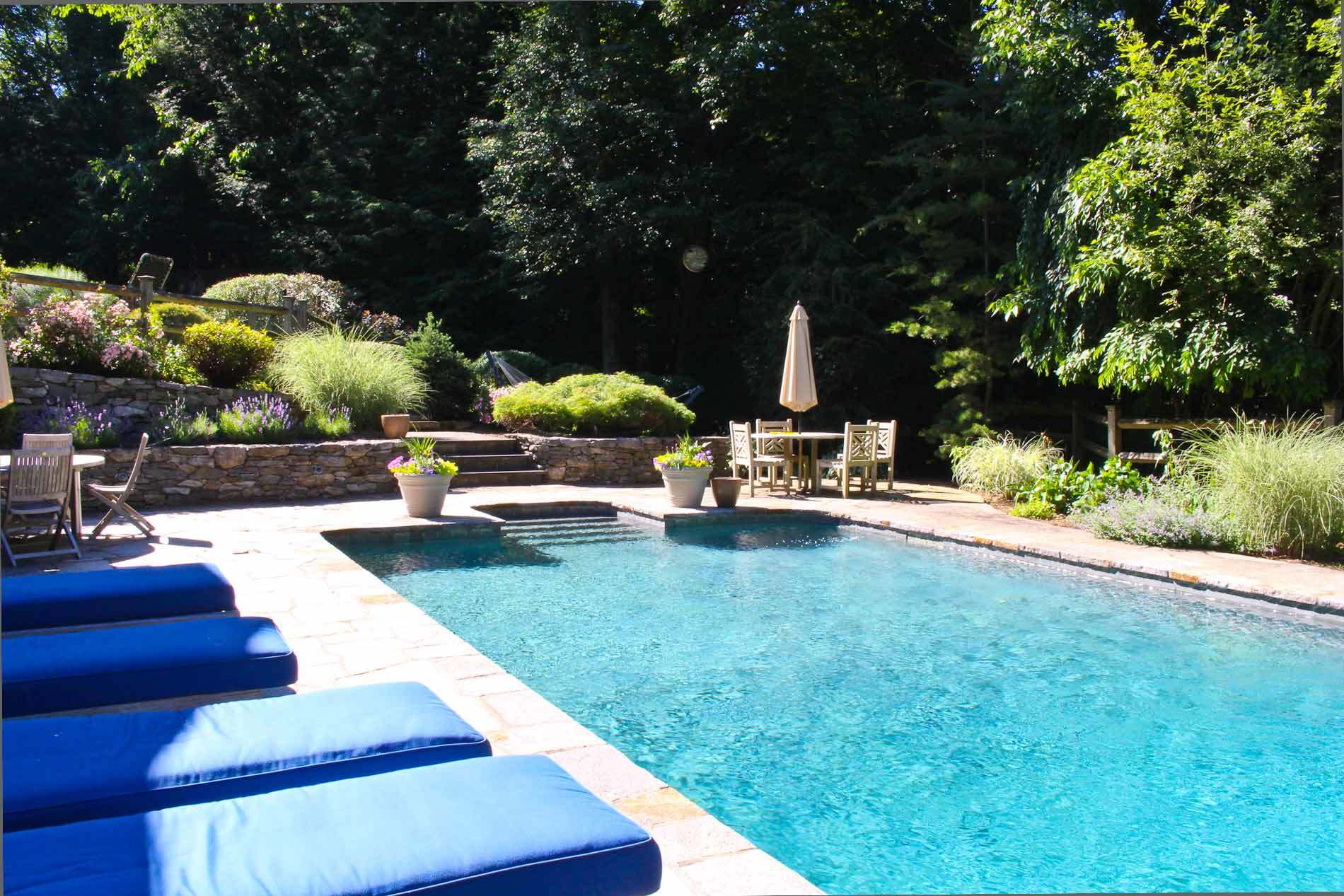Homes with swimming pool for sale in fairfield ct find for Buy swimming pool