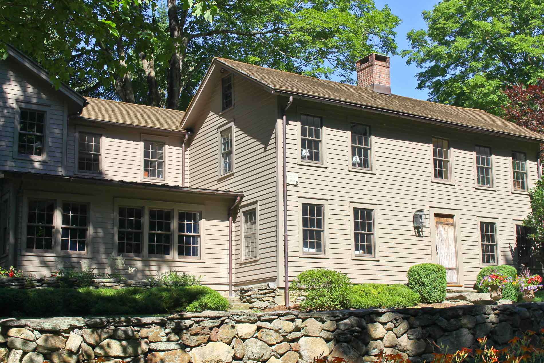 Antique Homes for Sale in Weston CT: Find and Buy Old Historic