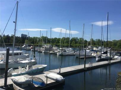 Condo Home For Sale in Stamford CT 06904.  house near waterfront.