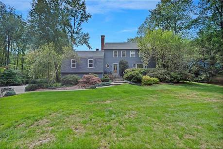 Single Family Home Sold in Newtown CT 06470. Colonial house near waterfront with 2 car garage.