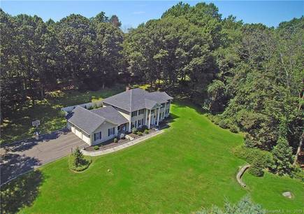Single Family Home Sold in Redding CT 06896. Colonial house near waterfront with 3 car garage.
