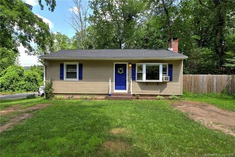 Single Family Home Sold in Newtown CT 06482. Ranch house near waterfront.