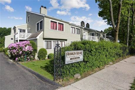 Condo Home Sold in Danbury CT 06810. Ranch townhouse near waterfront.