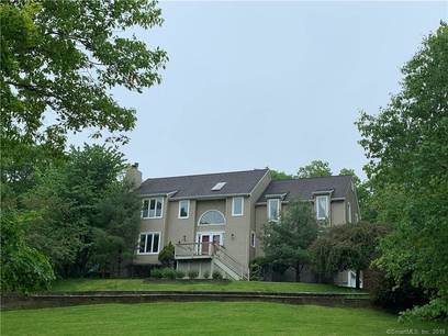 Single Family Home Sold in New Fairfield CT 06812. Contemporary, colonial house near river side waterfront with 2 car garage.