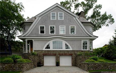 Single Family Home Sold in Norwalk CT 06853. Contemporary house near waterfront with 2 car garage.