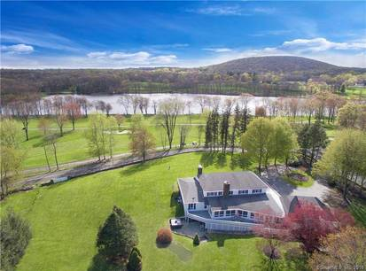 Mansion Sold in Danbury CT 06810. Big  cape cod house near waterfront with 2 car garage.