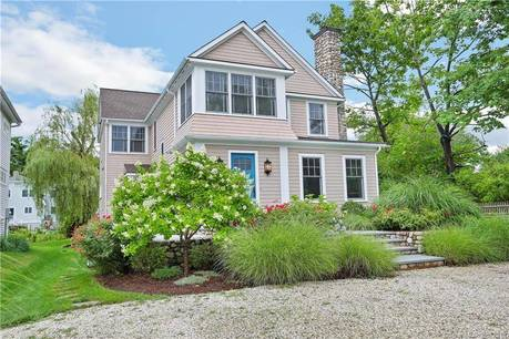 Luxury Single Family Home Sold in Westport CT 06880. Old colonial house near beach side waterfront.