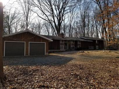 Foreclosure: Single Family Home Sold in Westport CT 06880. Contemporary house near waterfront with 2 car garage.