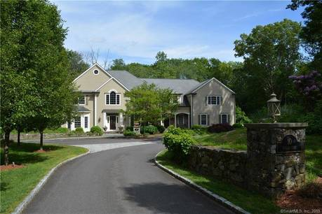 Single Family Home Sold in Ridgefield CT 06877. Colonial house near waterfront with 4 car garage.
