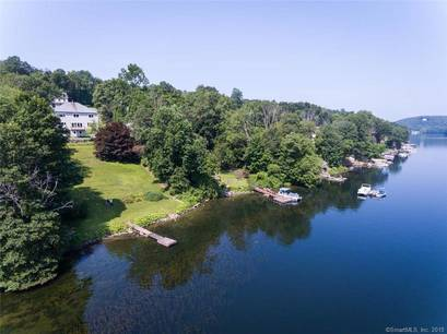 Single Family Home Sold in Brookfield CT 06804. Colonial house near lake side waterfront with 1 car garage.
