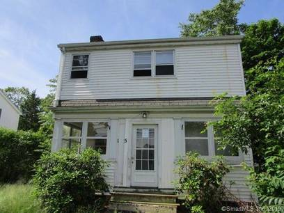 Foreclosure: Condo Home Sold in Stamford CT 06907.  townhouse near waterfront.