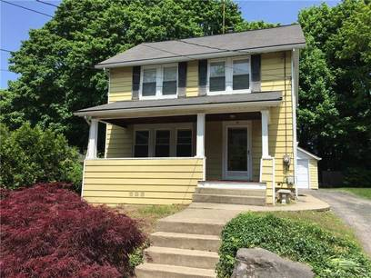 Single Family Home For Rent in Norwalk CT 06855. Old colonial house near beach side waterfront with 1 car garage.