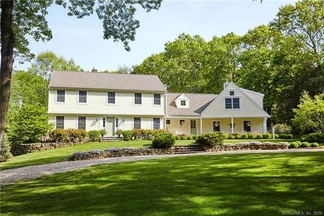 Single Family Home Sold in Easton CT 06612. Colonial house near waterfront with 3 car garage.