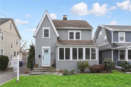 Single Family Home Sold in Norwalk CT 06855. Old colonial house near beach side waterfront with 1 car garage.