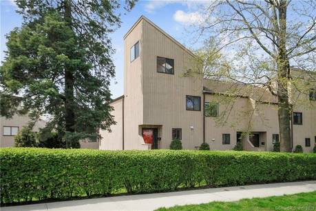Condo Home Sold in Stamford CT 06906.  townhouse near beach side waterfront with swimming pool.