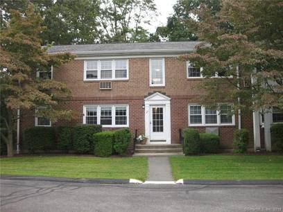 Condo Home Sold in Fairfield CT 06824. Ranch house near beach side waterfront.