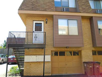 Condo Home Sold in Stamford CT 06906.  townhouse near beach side waterfront with 1 car garage.