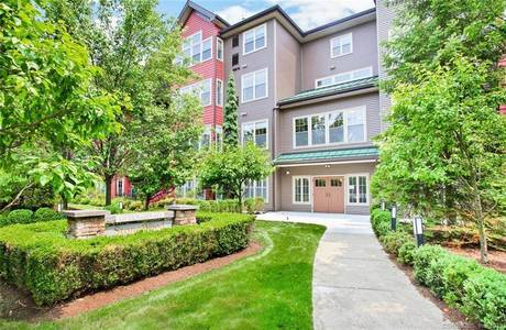Condo Home Sold in Norwalk CT 06854. Ranch house near waterfront with 1 car garage.