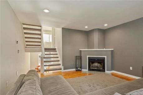 Condo Home Sold in Stamford CT 06901.  townhouse near waterfront with 1 car garage.