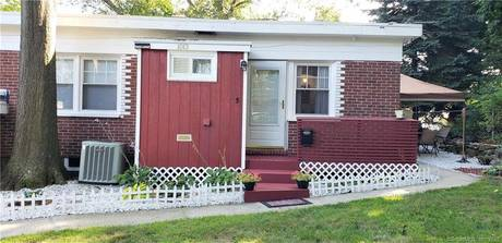 Cooperative Home Sold in Stratford CT 06614. Ranch house near waterfront with 2 car garage.