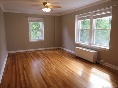 Condo Home For Rent in Stamford CT 06901. Old ranch house near waterfront.