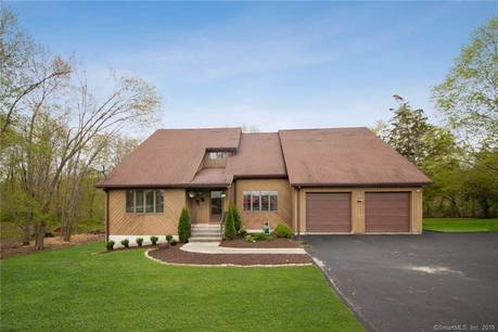Single Family Home Sold in Brookfield CT 06804. Contemporary house near waterfront with 2 car garage.
