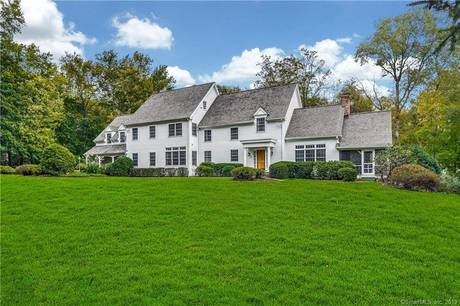 Single Family Home For Sale in Darien CT 06820. Colonial house near waterfront with 2 car garage.