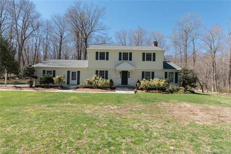Single Family Home Sold in Easton CT 06612. Colonial house near waterfront with 2 car garage.