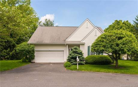 Condo Home Sold in Danbury CT 06811.  house near waterfront with swimming pool and 2 car garage.
