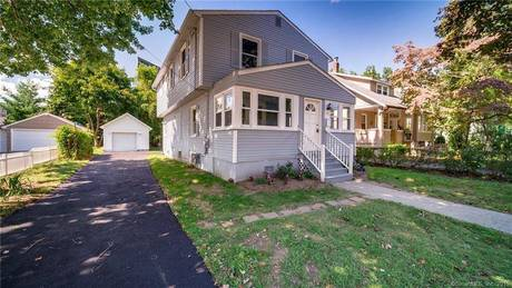 Single Family Home Sold in Stratford CT 06615. Colonial house near waterfront with 1 car garage.