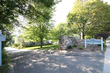 Condo Home Sold in Norwalk CT 06854. Ranch house near river side waterfront with 2 car garage.