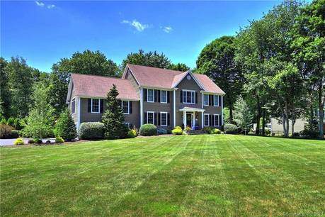 Single Family Home Sold in Monroe CT 06468. Colonial house near waterfront with swimming pool and 2 car garage.