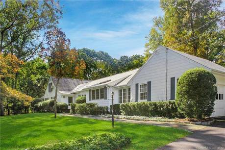 Single Family Home Sold in Norwalk CT 06850. Ranch house near waterfront with swimming pool and 2 car garage.