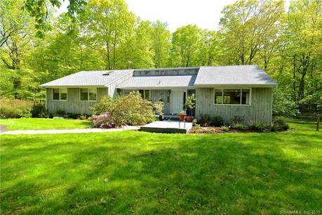 Single Family Home Sold in Ridgefield CT 06877. Ranch house near river side waterfront with 1 car garage.