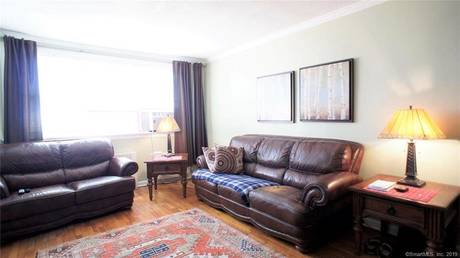 Condo Home Sold in Norwalk CT 06850. Ranch house near waterfront with 1 car garage.