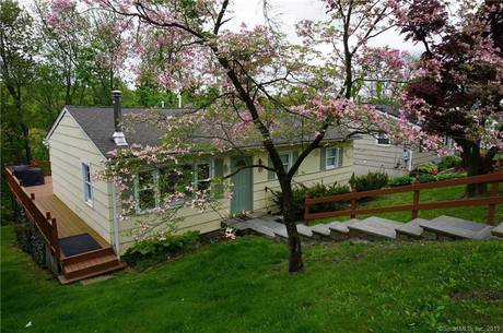 Single Family Home Sold in Brookfield CT 06804. Ranch house near beach side waterfront.