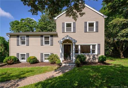 Single Family Home Sold in Stamford CT 06907. Colonial house near waterfront.