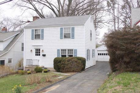 Single Family Home Sold in Norwalk CT 06855. Colonial house near beach side waterfront with 1 car garage.