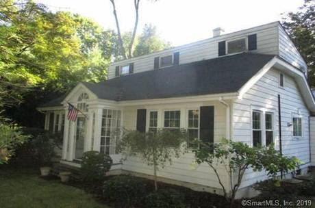 Foreclosure: Single Family Home Sold in Darien CT 06820. Old colonial cape cod house near waterfront with 1 car garage.