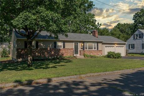 Single Family Home Sold in Stratford CT 06615. Ranch house near waterfront with 2 car garage.