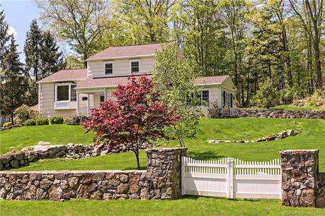 Single Family Home Sold in Ridgefield CT 06877.  farm house near waterfront with 2 car garage.