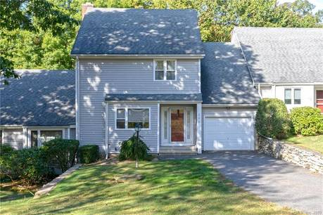 Condo Home For Sale in Shelton CT 06484.  townhouse near waterfront with 1 car garage.