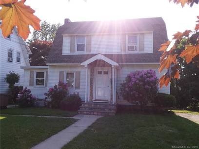 Multi Family Home Sold in Stamford CT 06902. Old  house near waterfront with 1 car garage.