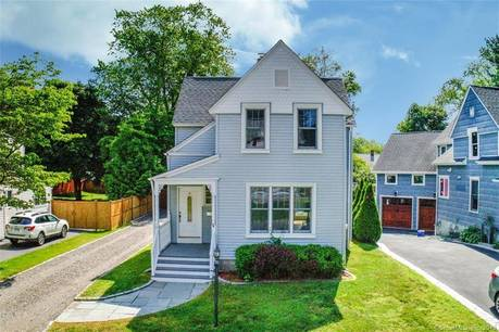 Single Family Home Sold in Fairfield CT 06824. Old colonial house near beach side waterfront with 2 car garage.