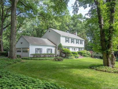 Single Family Home Sold in Norwalk CT 06850. Colonial house near beach side waterfront with 5 car garage.