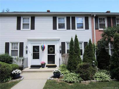 Cooperative Home Sold in Stamford CT 06902.  townhouse near beach side waterfront.