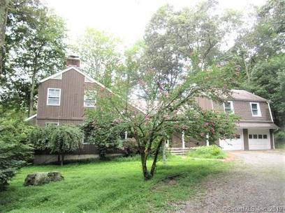 Foreclosure: Single Family Home Sold in Stamford CT 06903. Colonial house near lake side waterfront with swimming pool and 2 car garage.